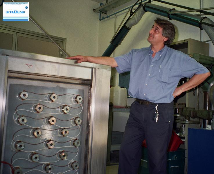 Macchina di lavaggio motori e stampi ad ultrasuoni